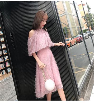 春装新款圆领蝙蝠袖收腰A字流苏连衣裙
