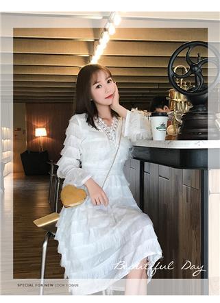 实拍2019春装新款V领流苏收腰A字纯色连衣裙